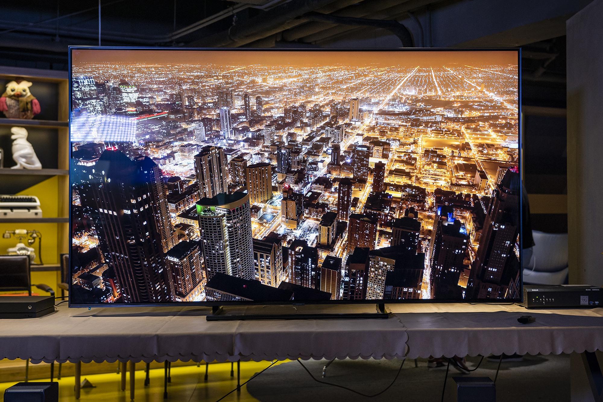 像极了壁画!超窄边框,画质惊艳——三星电视Q9F体验