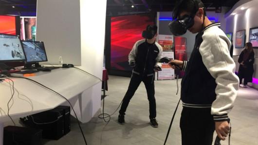 """""""虚拟现实""""走进大学课堂:用VR头显组装一辆新能源车"""