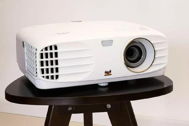 不到7千元的4K DLP家用投影机 优派PX727-4K试用