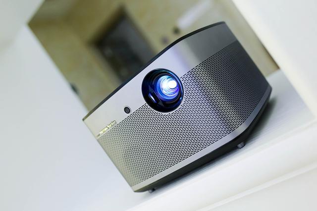 极米无屏电视H1S亮度升级高达1100ANSI流明