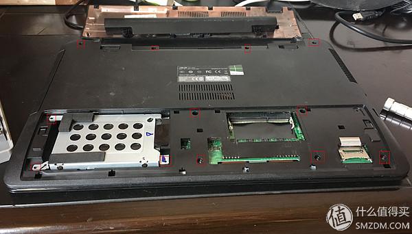 ThinkPad在笔记本里面是属于传奇品牌(联想收购后另说),至今小黑都是ThinkPad的专属爱称,小红点依然是ThinkPad的标志性配置。他在笔记本发展史上留下过无数个第一。第一台便携式笔记本电脑,第一台CD-ROM光驱的笔记本,第一台安装了摄像头的笔记本第一台安装了指纹识别的笔记本等等还有主动安全防护系统(APS),镁制防滚架等经典设计,一直在推动着笔记本的发展。 2004年被联想收购以后,ThinkPad渐渐的从高端商务下探到普通消费者,除了原有的T和X系列,还发展出了,E(入门商务机)和S