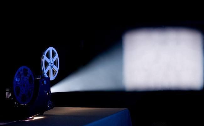 无屏电视的革新与魅力 主流投影仪重磅推荐