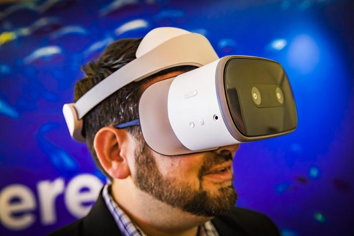 [CES 2018]联想与谷歌合作的Daydream VR一体机Mirage Solo正式亮相