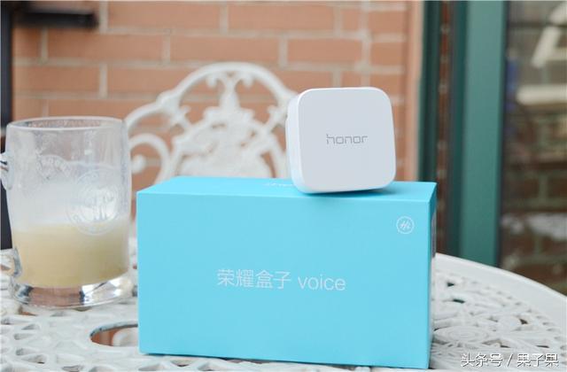 荣耀盒子voice 说话期间就点播 让4K在线更方便