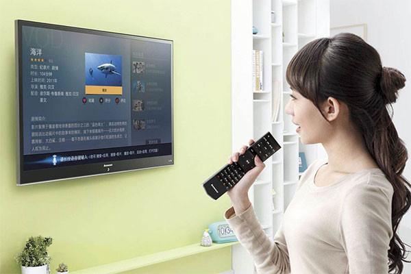 智能电视带动家庭人工智能 语音操作破僵局