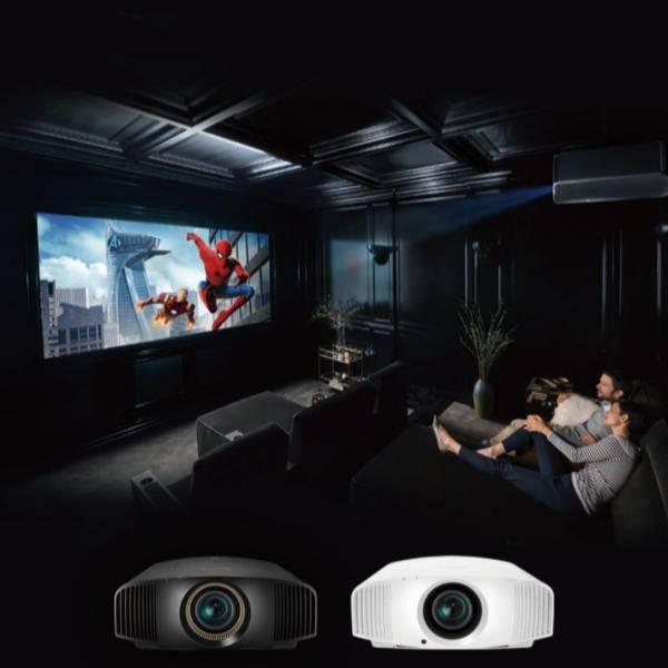 打造 4K 家庭影院,索尼推新款家用投影机