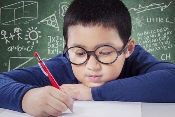 学习负担重VS护眼健康,海信激光电视让家长不再两难