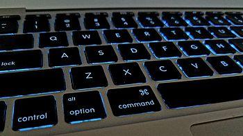 #原创新人# 标新立异,与众不同——改变 MacBook Air 键盘背光灯颜色