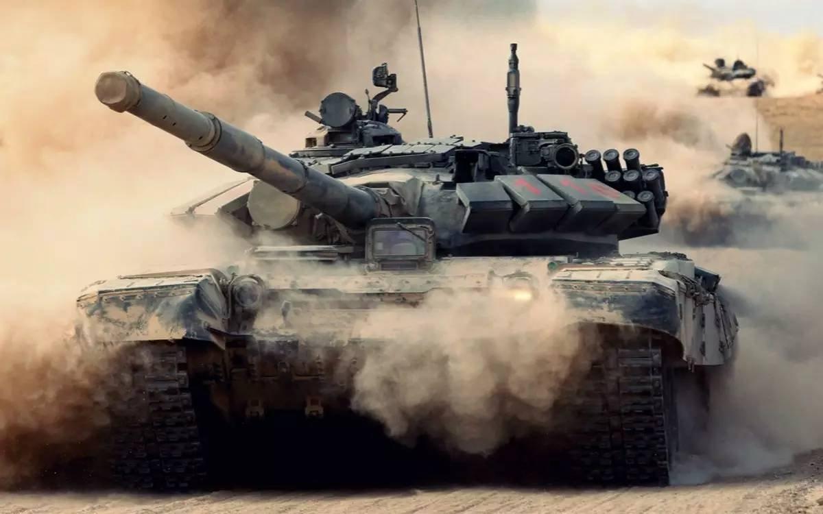 """解放军""""VR心理训练室"""":逼真体验激烈坦克大战"""